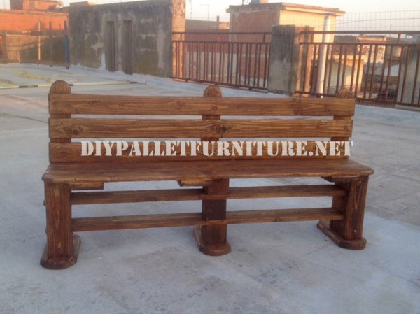 Bench and table made with pallets for the yard 2