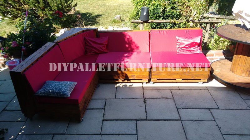 Corner Sofa made with pallets
