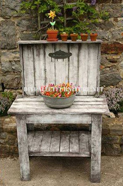Decorative display stand for the garden 5