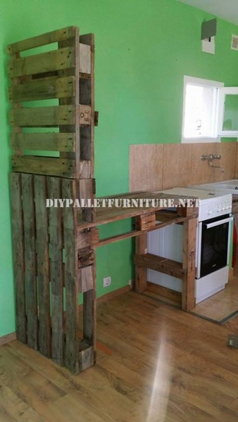 Furniture for the kitchen and separator made of pallets 1