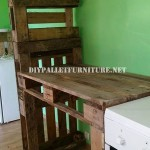 Furniture for the kitchen and separator made of pallets