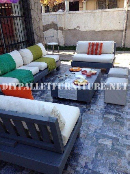 Furniture set with pallets for the terrace 7