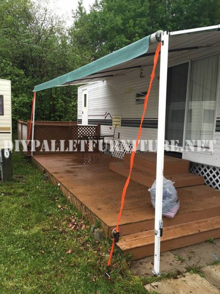 How to decorate the terrace of your mobile home with pallets 2