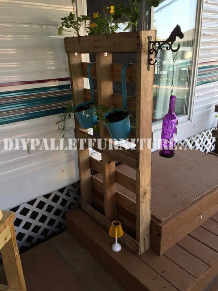 How to decorate the terrace of your mobile home with pallets 7