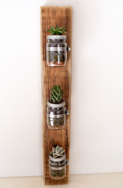 Indoor small pots made with pallets 5