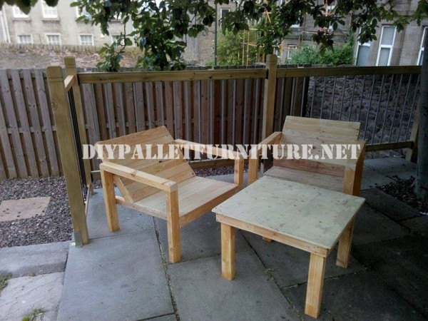 Outdoor pallet chairs for the terrace 1
