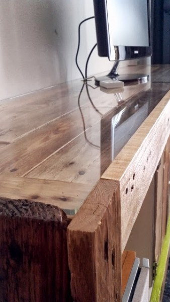 TV cabinet made of a expedit bookcase and pallets 4