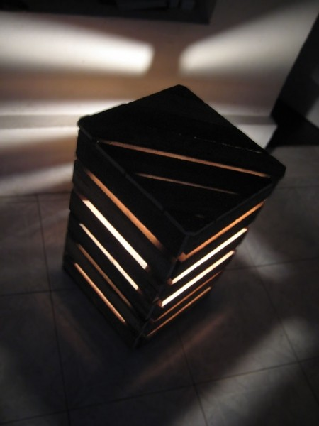 Bedside Lamps Shaped Like A Cube Made With Palletsdiy