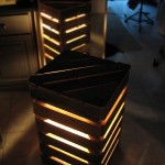 Bedside lamps shaped like a cube made with pallets