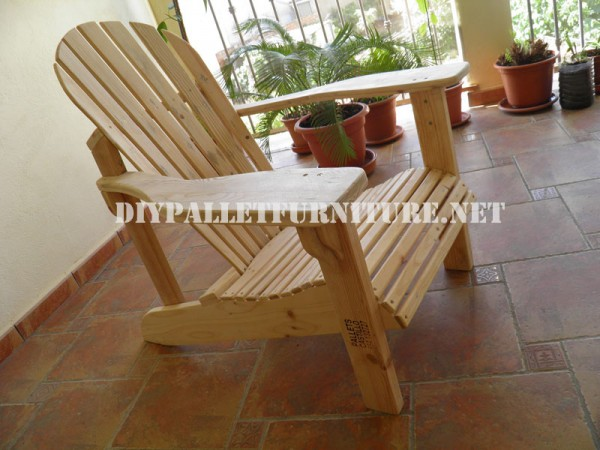 Adirondack chair with pallets 2
