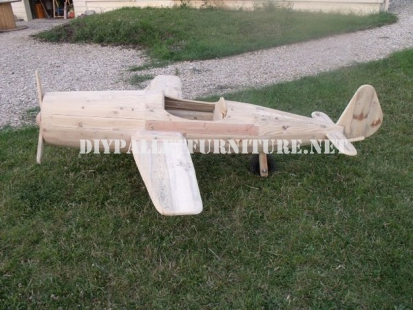 Aircraft designed with pallets 6