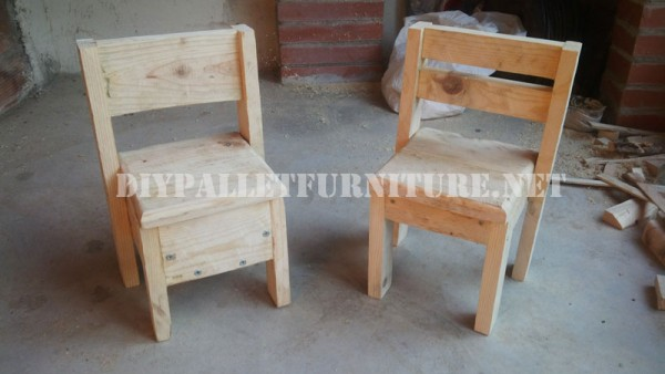 Child chairs with pallets 1