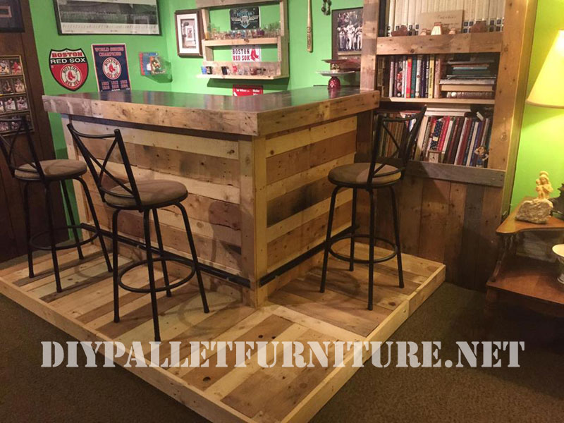 Corner furnished with pallets