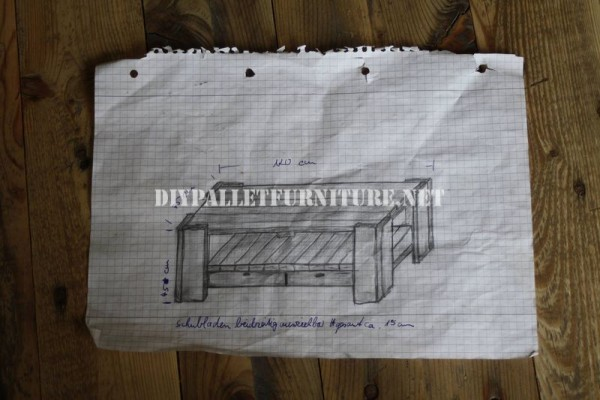 Living room table with pallets 3
