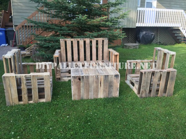 Pallet furniture for the garden 1