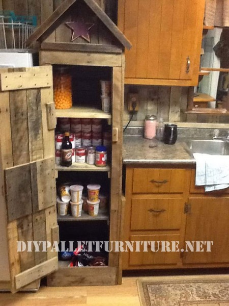 Pantry cabinet for the kitchen made with pallets 2