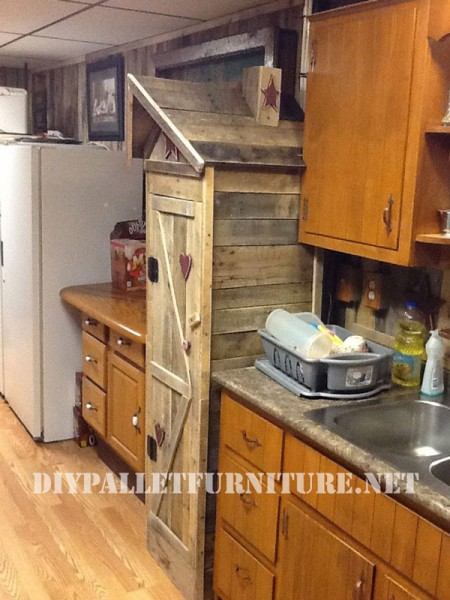 Pantry cabinet for the kitchen made with pallets 3