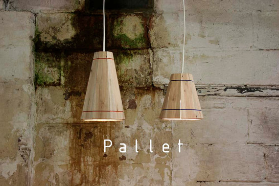 Pendant lamp with pallet planks 2