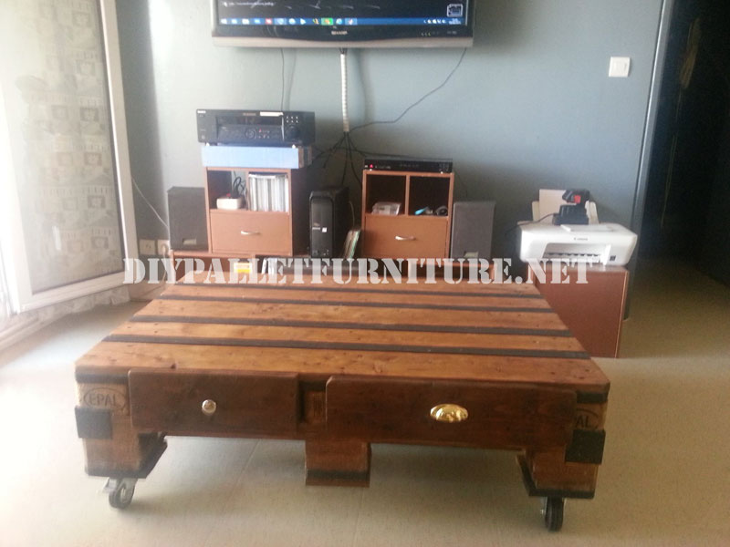 Table for the living room with a pallet