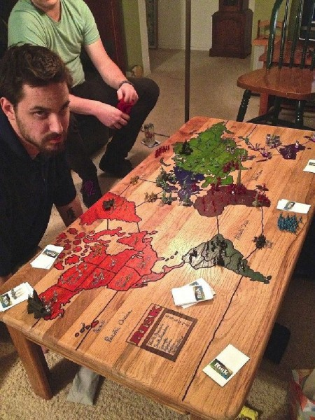 Table to play risk 1