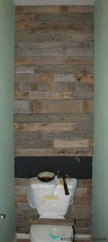 Tiled bathroom with pallets 6diy pallet furniture diy for Pallet shower wall