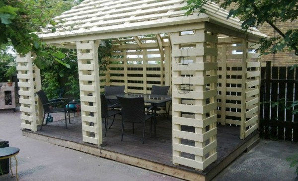 Arbour made with pallets 1