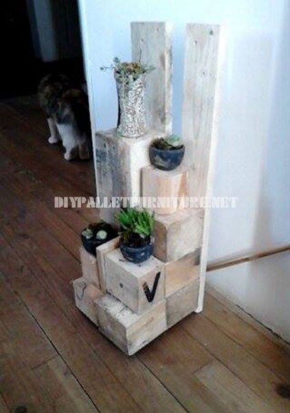 Planters with wooden blocks 6