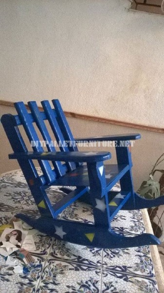 Rocking chair for children with pallets 1