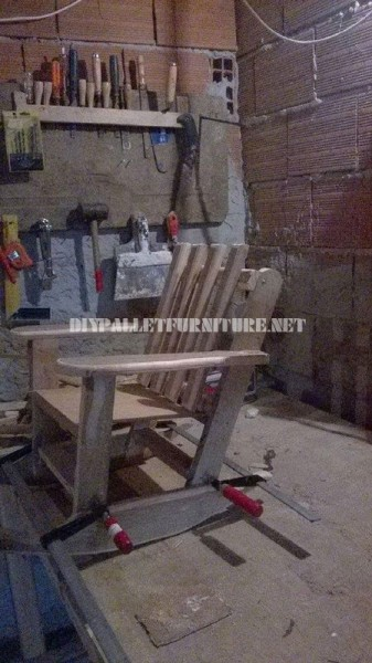 Rocking chair for children with pallets 3