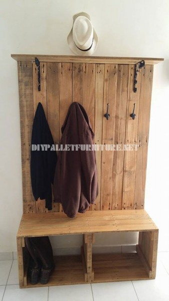 Shoerack, bench, hanger and hatter for the hall with pallets 1