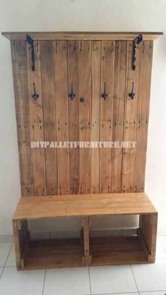 Shoerack, bench, hanger and hatter for the hall with pallets 2
