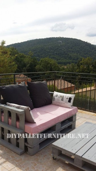 The pallet sofas from Marie for the terrace 3