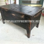 Assistant trunk table made with pallets