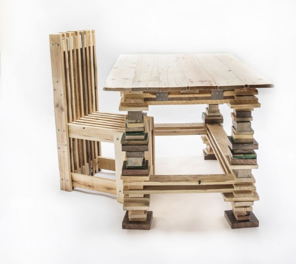 Desk and design chair with pallets 1