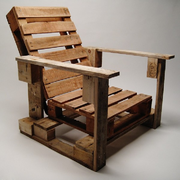 Industrial chair made with pallets 1