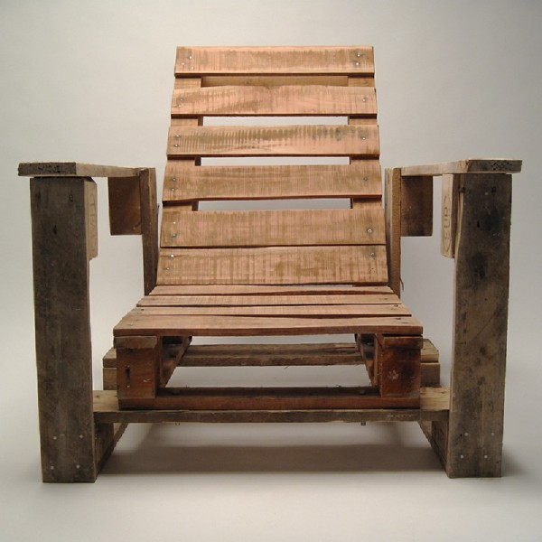 Industrial chair made with pallets 2