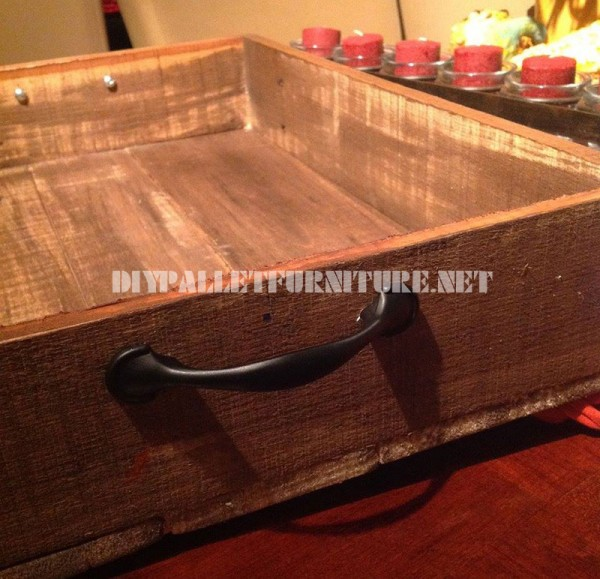 Pallet tray using pallet planks 2