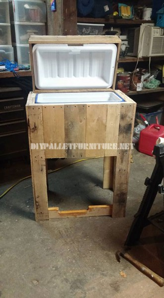 Refrigerator made with pallets 2