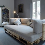 Sofa chaise-longue with pallets