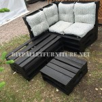 Corner sofa using pallets