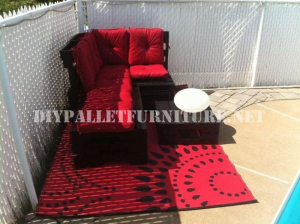 Corner sofa using pallets 5
