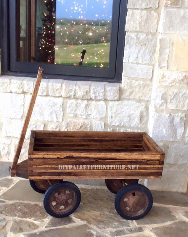 Decorative cart with pallets 2