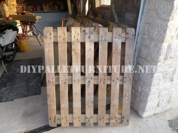 Garden gates with pallets 3