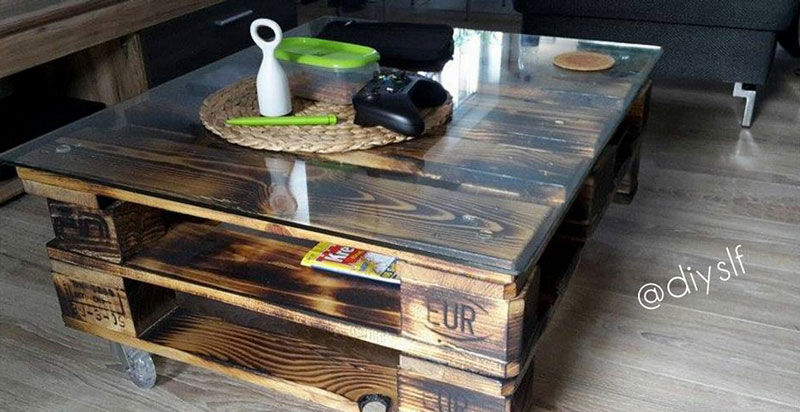 Pallet coffee tablediy pallet furniture diy pallet furniture - Faire table basse en palette ...