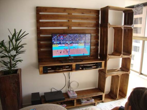 TV cabinet built using pallets and fruit boxes 1