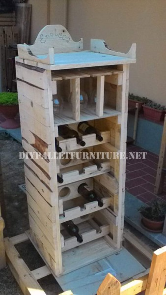 Wine cellar designed with pallets 1