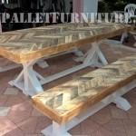 Outdoor table and benches made of pallets