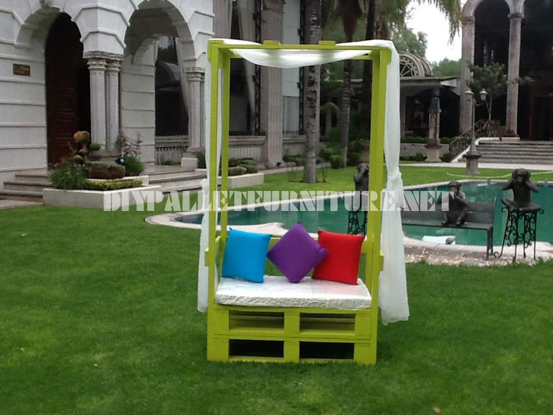 Armchair with umbrella for the garden