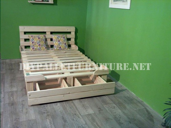 Bed frame with drawers made of pallets 1