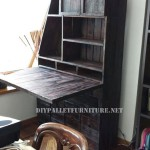 Closet-desk using pallets